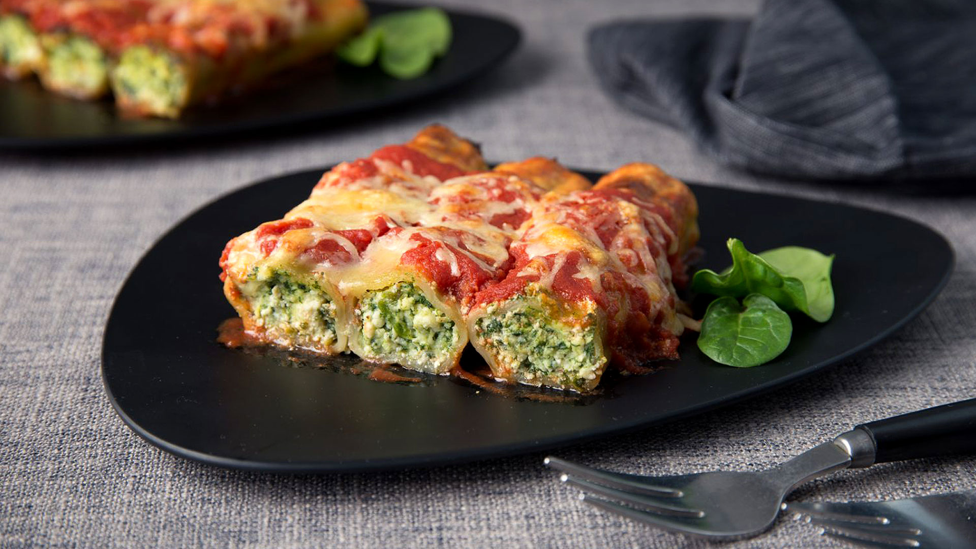 Traditional Italian Cannelloni
